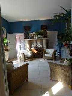un singe en hiver. Black Bedroom Furniture Sets. Home Design Ideas
